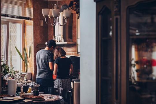 Khi chồng nói món gì anh cũng nấu được - Ảnh 1.
