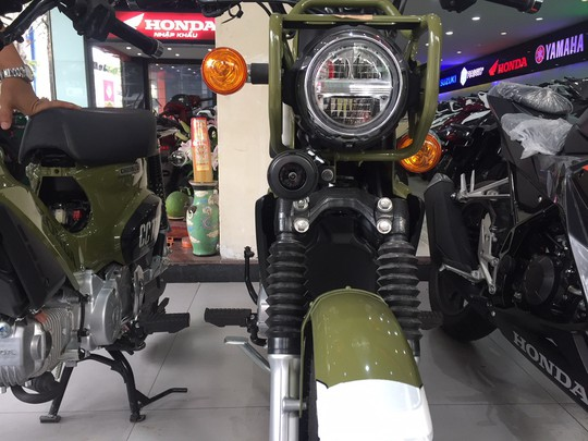Nhiều mẫu xe máy lạ