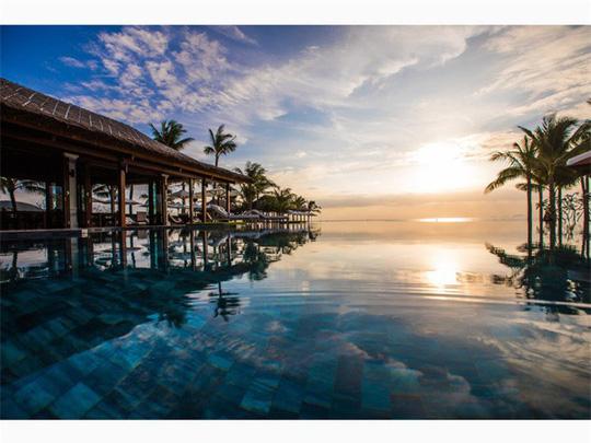 Top bể bơi vô cực đẹp nhất châu Á: Một khách sạn ở Cam Ranh được vinh danh - Ảnh 7.