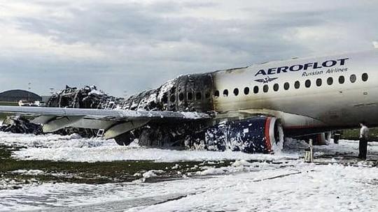 Điều gì đã xảy ra trên chiếc máy bay bốc cháy làm 41 người thiệt mạng? - Ảnh 2.