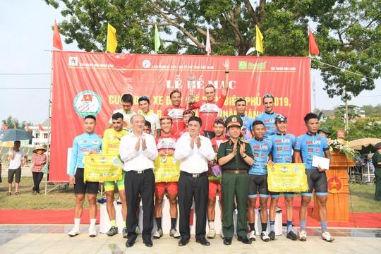 Ở giải đồng đội, VUS TP HCM đã đứng nhất sau những nỗ lực đầy cố gắng của tập thể vừa đọat ngôi nhất đồng đội tại Cúp Truyền hình TP HCM 2019.