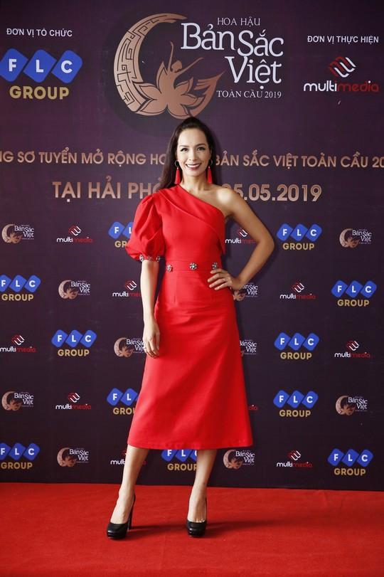 Thúy Hạnh làm giám khảo vòng sơ tuyển mở rộng Hoa hậu Bản sắc Việt toàn cầu 2019 - Ảnh 1.