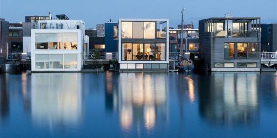 Chiêm ngưỡng cả trăm ngôi nhà được xây nổi trên mặt nước - Ảnh 13.