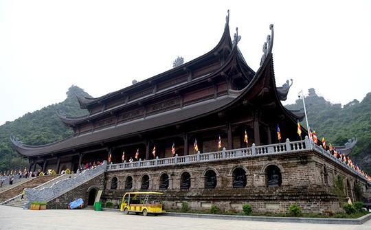 Chùa Tam Chúc gấp rút hoàn thiện trước ngày tổ chức Vesak - Ảnh 6.