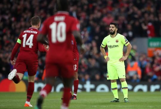 Luis Suarez: Barcelona đáng xấu hổ vì lặp lại sai lầm tương tự - Ảnh 2.