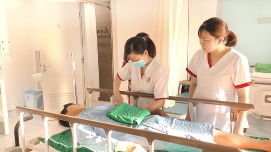 Bệnh viện Gia An 115 phẫu thuật thành công ca bệnh tim thông liên nhĩ đầu tiên - Ảnh 2.