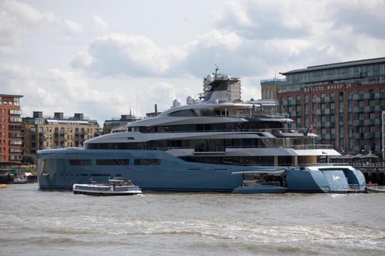 Khám phá du thuyền của ông chủ Tottenham đang ngao du đảo ngọc Phú Quốc - Ảnh 3.
