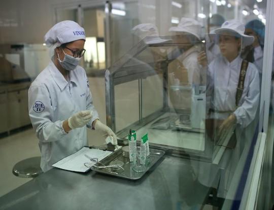 Siêu nhà máy đón những vị khách sữa học đường nhí - Ảnh 9.