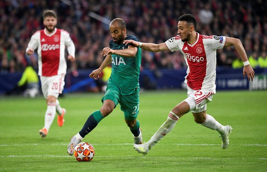 Sát thủ Lucas Moura lạnh lùng hạ gục Ajax đêm Amsterdam - Ảnh 3.