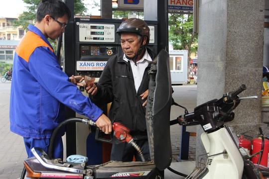 Xăng tiếp tục tăng giá mạnh lần thứ 2 liên tiếp