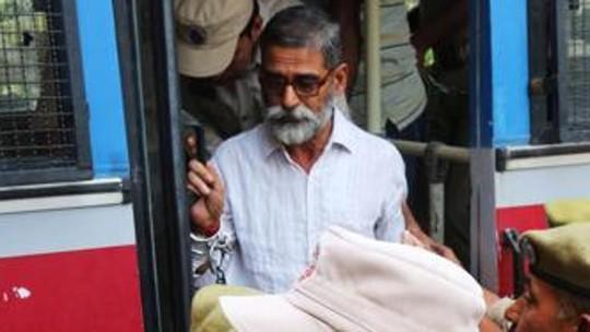 Ấn Độ kết án cảnh sát cưỡng hiếp và sát hại bé gái 8 tuổi - Ảnh 1.