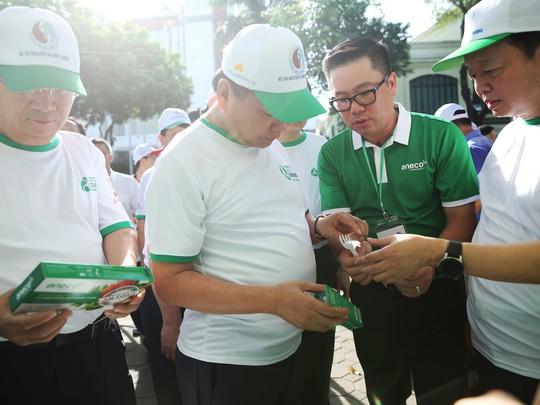 Triệu chữ ký ủng hộ phong trào chống rác thải nhựa - Ảnh 1.