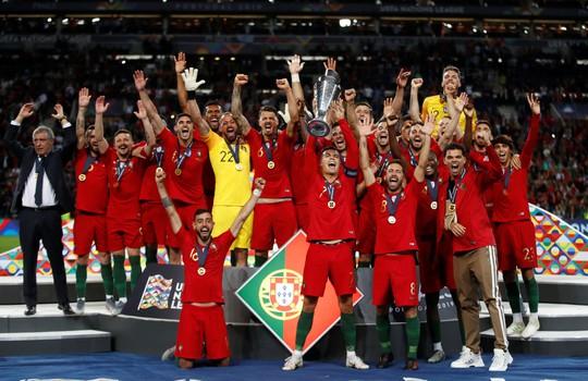 Người hùng vô danh tỏa sáng, Bồ Đào Nha lên đỉnh châu Âu - Ảnh 10.