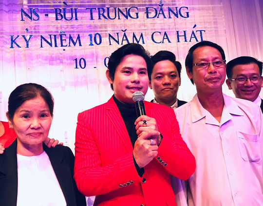Nghe si Bui Trung Dang 10 nam thanh cong sau Chuong Vang Vong Co