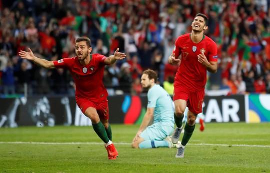 Người hùng vô danh tỏa sáng, Bồ Đào Nha lên đỉnh châu Âu - Ảnh 6.