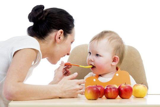 Bật mí cho cha mẹ cách chăm sóc trẻ khi mọc răng - Ảnh 1.