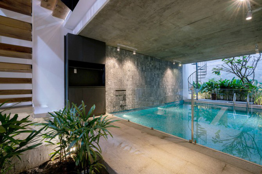 Bể bơi trong nhà ống Sài Gòn chỉ rộng 70m2 - Ảnh 3.