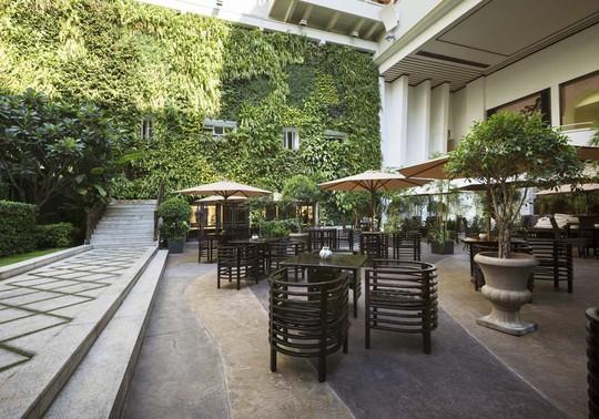 Vertical Garden - Rex Hotel Saigon: Thưởng thức tiệc buffet 5 sao tại Grill & Beer - Ảnh 2.