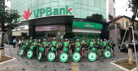 VPBank ra mắt gói ưu đãi tiết kiệm tuổi vàng dành cho khách hàng trên 50 tuổi - Ảnh 2.