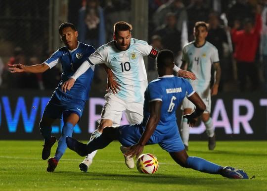 Messi còn ít thời gian trả nợ Argentina - Ảnh 1.