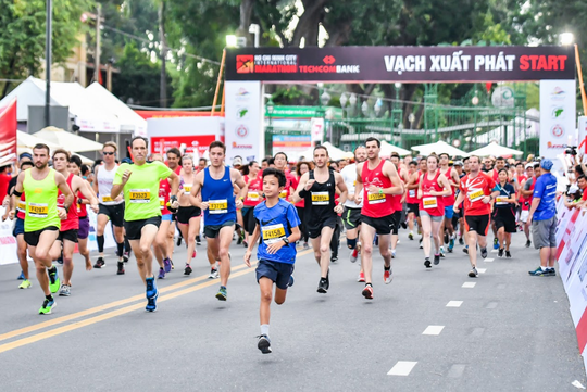 Giải marathon Quốc tế Thành phố Hồ Chí Minh Techcombank khởi động mùa giải thứ 3 - Ảnh 1.