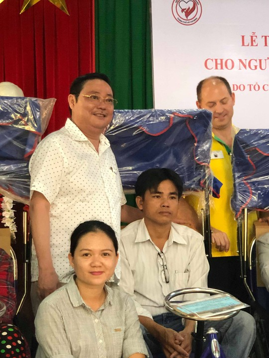 Hội đồng hương Quảng Nam tại TP. HCM: Trao 200 xe lăn, xe lắc cho người khuyết tật quê nhà - ảnh 2
