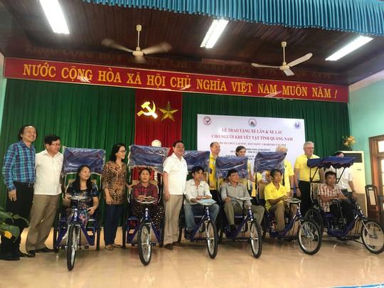 Hội đồng hương Quảng Nam tại TP. HCM: Trao 200 xe lăn, xe lắc cho người khuyết tật quê nhà - ảnh 1