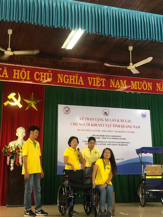 Hội đồng hương Quảng Nam tại TP. HCM: Trao 200 xe lăn, xe lắc cho người khuyết tật quê nhà - ảnh 3