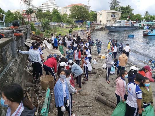 Phú Quốc: Rác quá tải, huyện đề nghị cho đổ ở bãi rác tạm - Ảnh 4.