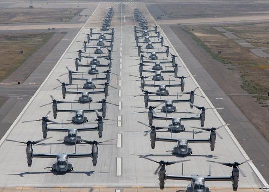 """Trực thăng quân sự Mỹ phô diễn sức mạnh trong tập trận """"Voi đi bộ"""" - ảnh 6"""