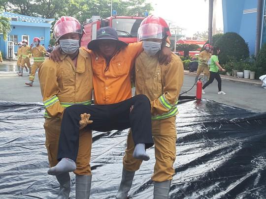 VWS thực tập PCCC và cứu hộ cứu nạn - Ảnh 4.