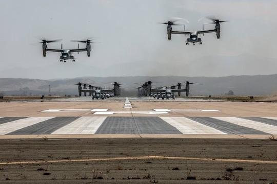 """Trực thăng quân sự Mỹ phô diễn sức mạnh trong tập trận """"Voi đi bộ"""" - ảnh 2"""