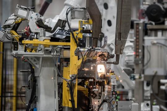 Cận cảnh Khu nhà máy sản xuất ô tô VinFast - Ảnh 6.