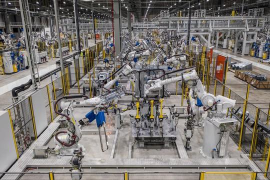 Cận cảnh Khu nhà máy sản xuất ô tô VinFast - Ảnh 5.