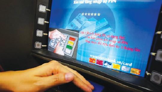 Cảnh báo hàng loạt chiêu chiếm đoạt tài khoản ngân hàng - Ảnh 1.