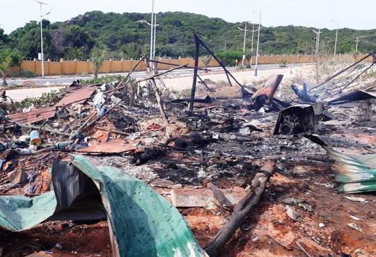 Cháy nổ lớn xăng dầu ở Cam Ranh, 2 người chết - Ảnh 1.