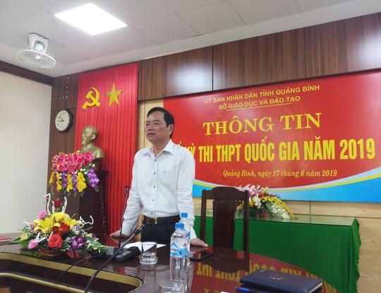Đề nghị kỷ luật 2 cán bộ coi thi ký nhầm trên 24 bài của thí sinh ở Quảng Bình - Ảnh 1.