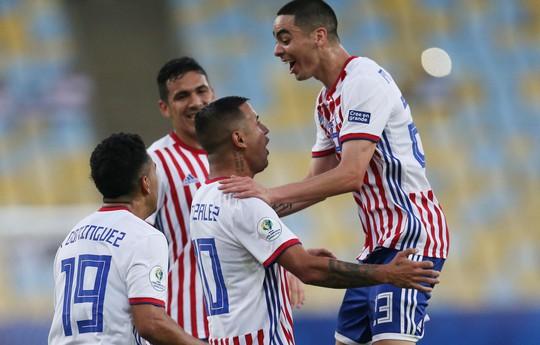 Ngược dòng cầm hòa Paraguay, Qatar gây sốc Copa America - ảnh 4