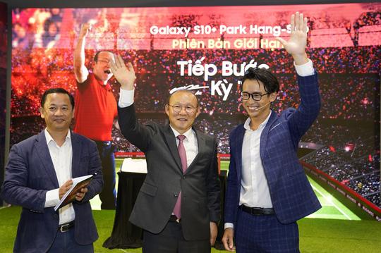 Gặp gỡ HLV Park Hang-seo, nghe chia sẻ về mục tiêu tại SEA Games - Ảnh 1.
