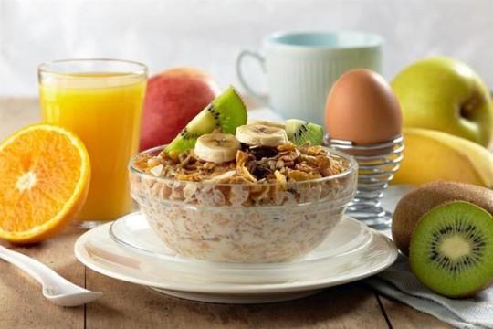 Không ăn sáng sẽ làm tăng nguy cơ tử vong do tim mạch? - Ảnh 1.