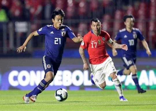 Vargas lập siêu phẩm bàn thắng, Chile đè bẹp Nhật Bản - Ảnh 2.