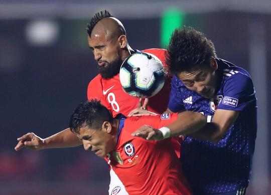 Vargas lập siêu phẩm bàn thắng, Chile đè bẹp Nhật Bản - Ảnh 1.
