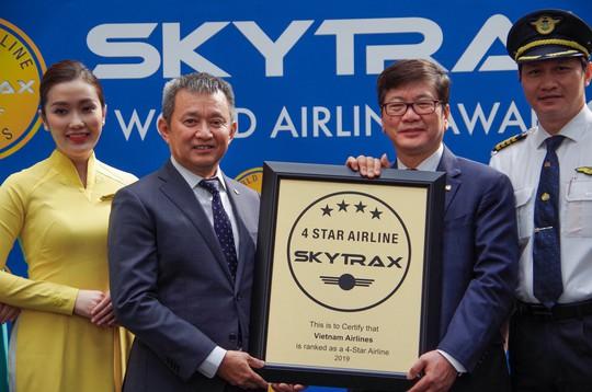 Vietnam Airlines nhận chứng chỉ Hãng hàng không quốc tế 4 sao