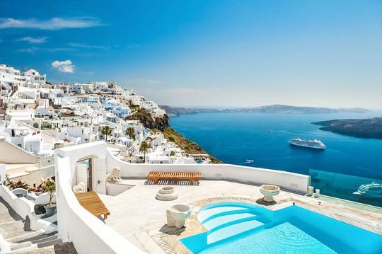 Hòn đảo hút khách bởi kiến trúc xanh - trắng ở Hy Lạp - Ảnh 3.