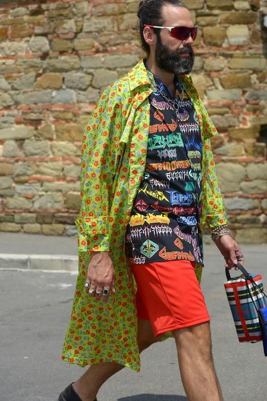 Bỏ qua những bộ suit, nam giới ngày càng chuộng đồ màu sắc - Ảnh 6.