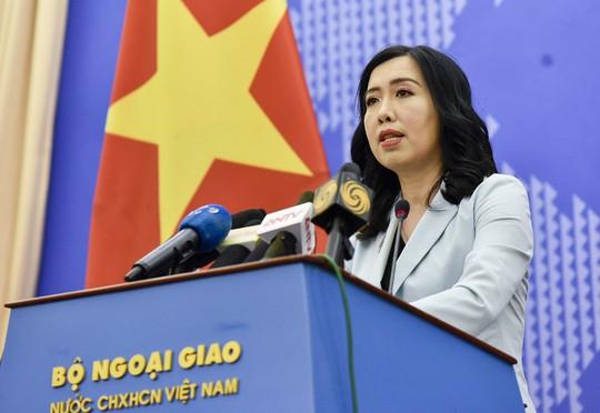 Người phát ngôn trả lời về thông tin hàng Trung Quốc đội lốt hàng Việt Nam xuất sang Mỹ - Ảnh 1.