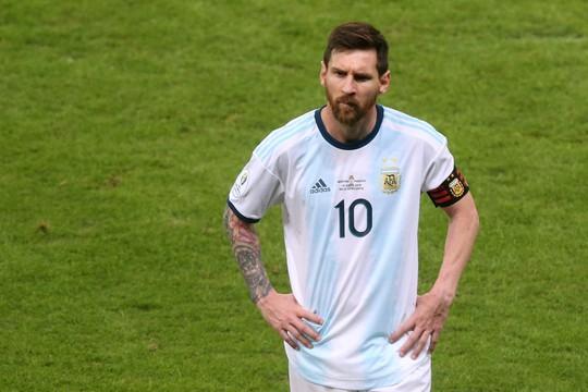 Lãnh thẻ đỏ sau 14 năm, Messi nhận án phạt như đùa hậu Copa America - Ảnh 5.