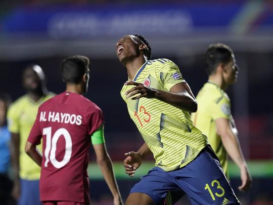 Chật vật hạ Qatar, Colombia đoạt vé tứ kết Copa America - Ảnh 2.