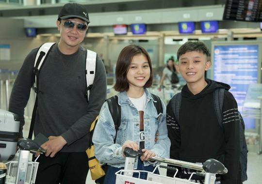 Phi Nhung đưa con nuôi Hồ Văn Cường đi Mỹ lưu diễn - Ảnh 4.
