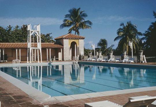 Tỷ phú Michael Dell mua khu nghỉ dưỡng với giá 875 triệu USD - Ảnh 2.